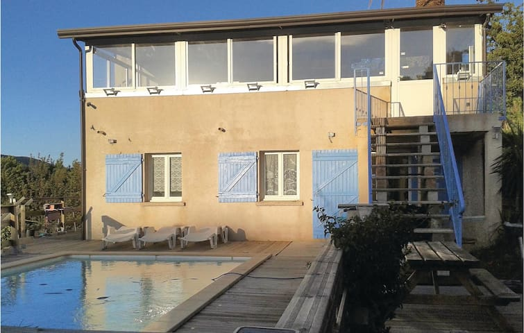 Holiday apartment with 2 bedrooms on 60 m² in Luri