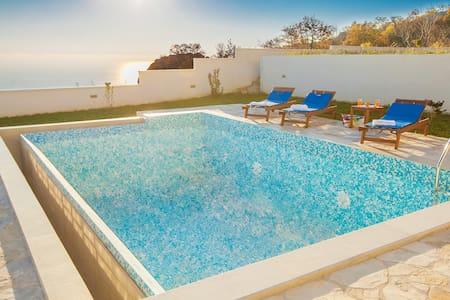 Andjelika - Amazing Three Bedroom Villa with Pool - Petrovac - Lejlighed