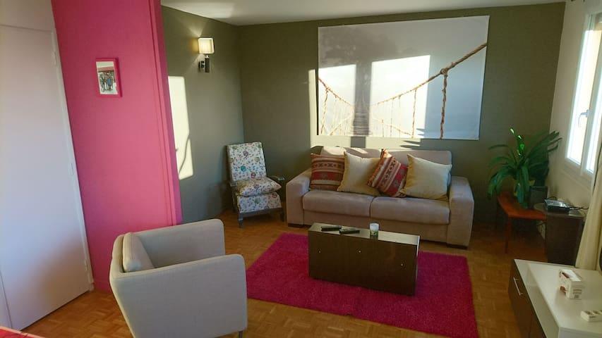 Grand appartement dans une résidence avec parking