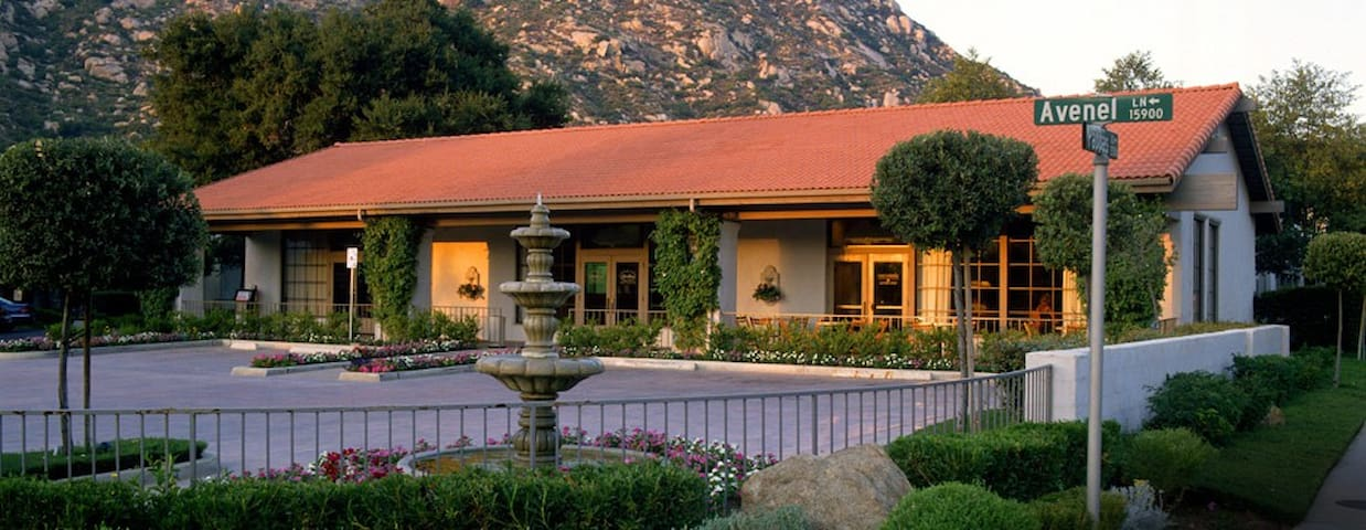 Riviera Oaks Resort Racquet Club