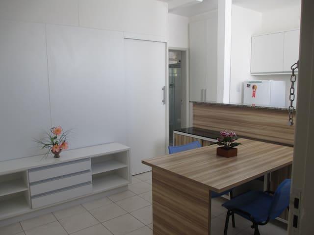 Apartamento Mobiliado próximo ao Mar
