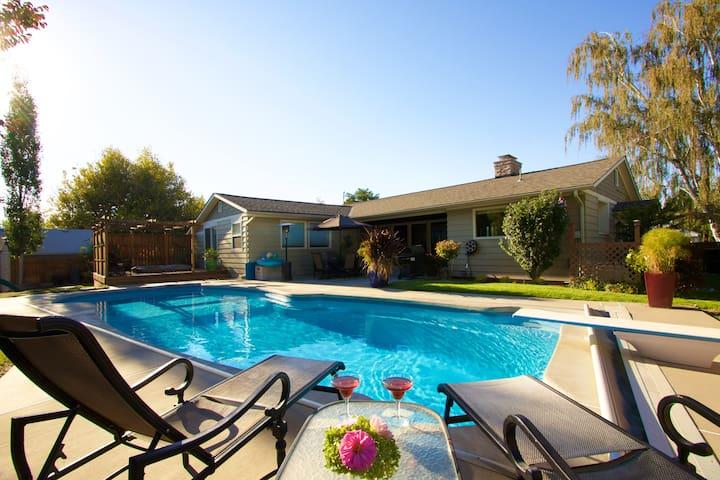 Great Home With Pool & Hot Tub - Walk to Town - Walla Walla - Huis