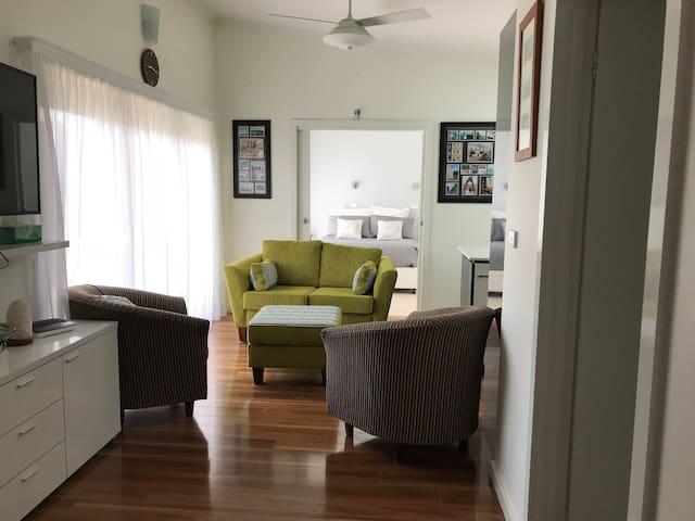 Aranda Modern Guesthouse