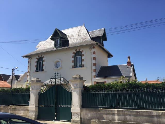 Villa St Hubert a 100m de la plage - Châtelaillon-Plage