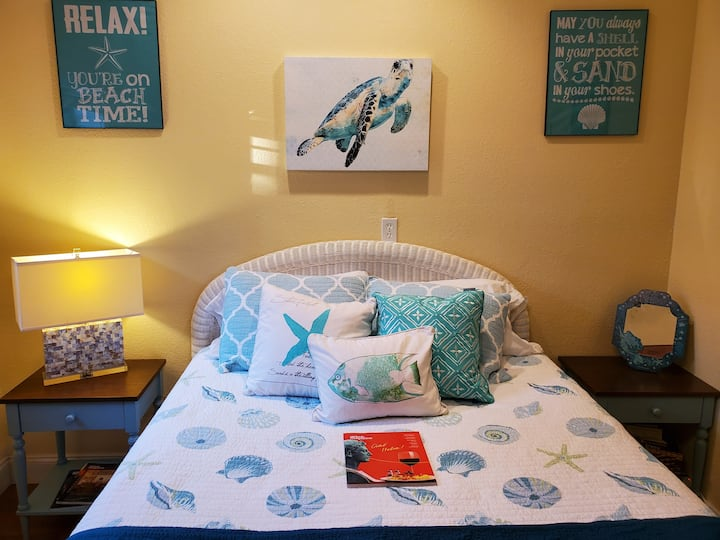 The Perfect Place! Cozy Suite Close to the Beach!