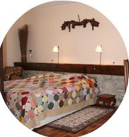 Chambre 2 ou 3 personnes - Saint-Jacques-des-Arrêts - Domek gościnny