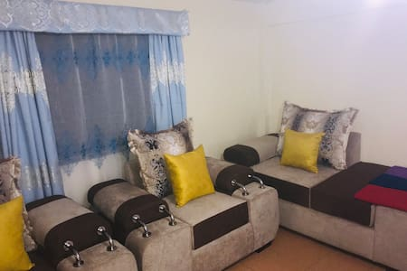 WESTLAND APARTMENT, NEAR CBD ,WITH WIFI & CABLE TV