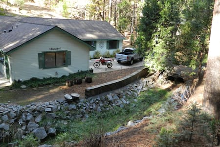 Creekside Home near Yosemite - Mariposa - House