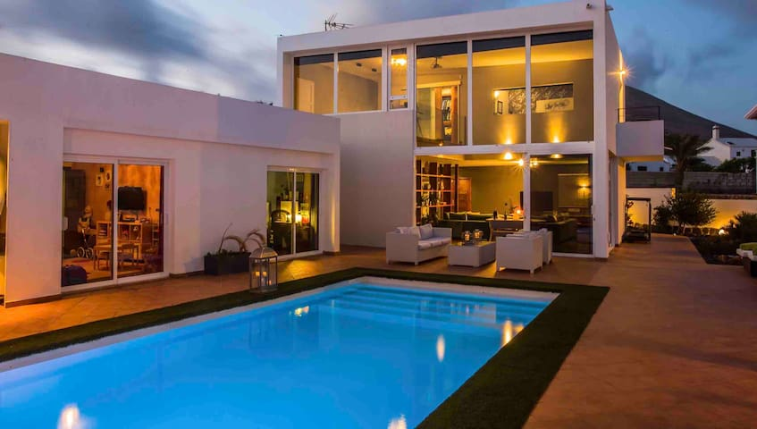 Luxury Lanzarote Villa Alma in Tias