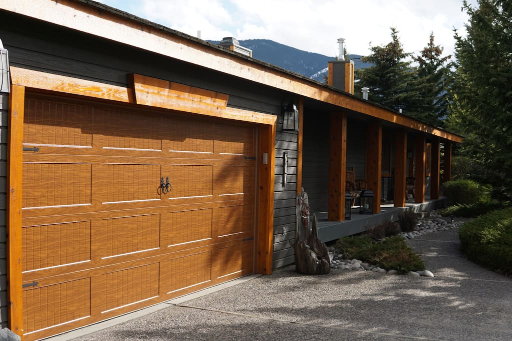 Welcome to Bear Paw Lodge! Your Private Oasis in Red Lodge, MT. The Perfect Place to Escape to for a Mountain Getaway.