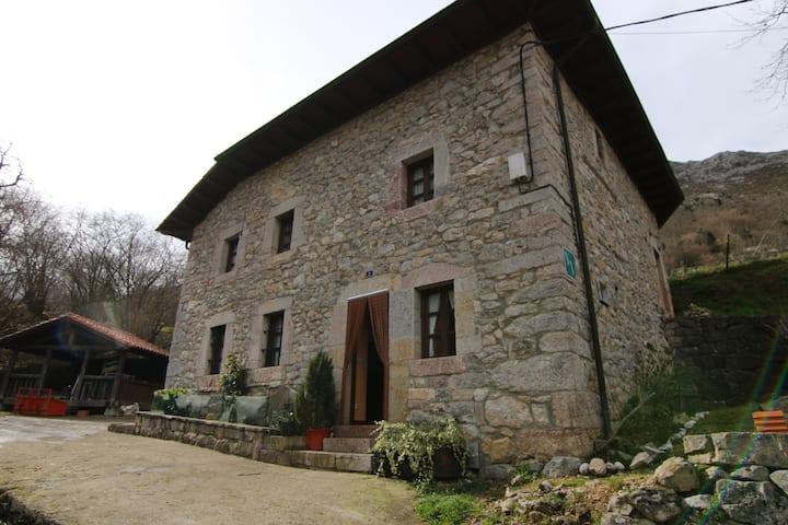 Alojamiento Rural Casa Treslacarral.CasaEntera8pax