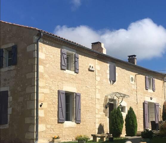 Maison d'hôtes la mesonnetta située près de saintes et royan.