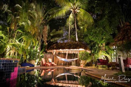 Tiki Hutt experience / Treehouse Resort