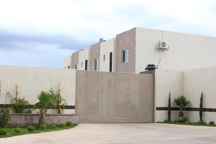 Departamento en Cuahtemoc - Ciudad Cuauhtemoc - Apartment