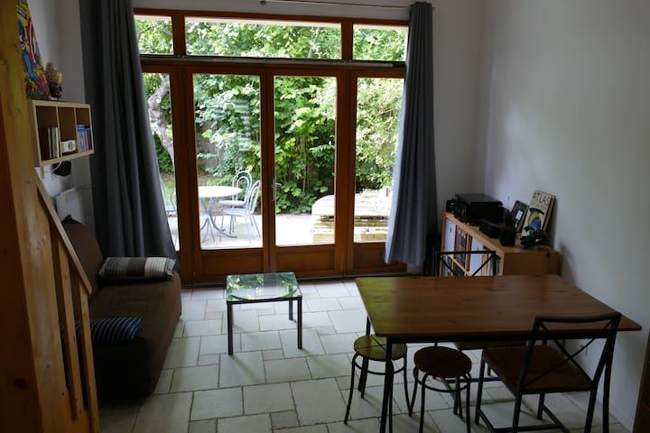 La Rochelle : studio duplex avec terrasse au calme