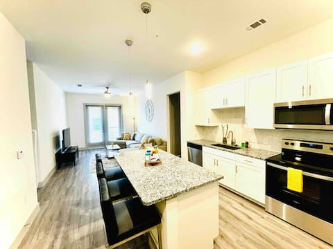 ★ NEW! Clean oasis!! DFW ✈️. Near downtown Dallas.