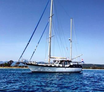 Luxury Motorsailer Pylos - Pylos - 船