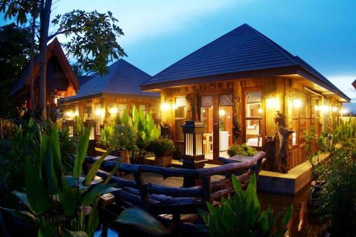 Deluxe Prachuap Garden View Resort