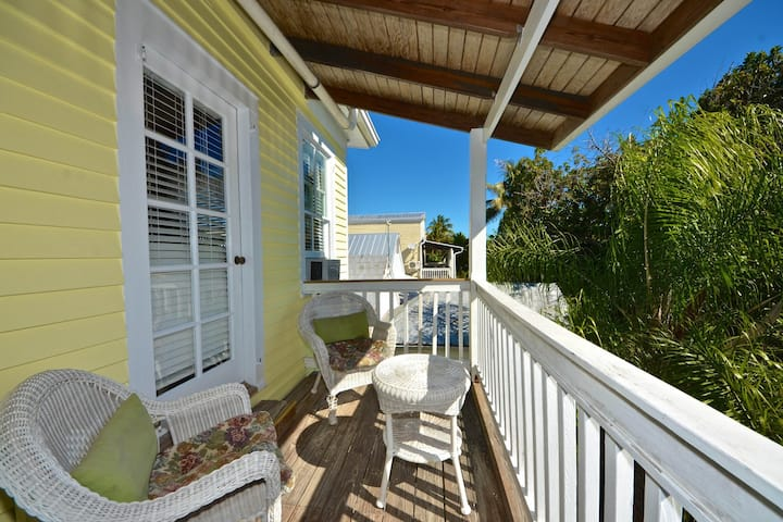 Relax on historic inn's top floor - shared pool & semi-private deck!