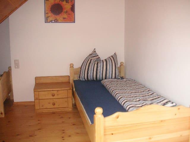 Ferienwohnung Mutschler, (Münsingen), Ferienwohnung 140qm, 2 Schlafzimmer, max. 4 Personen