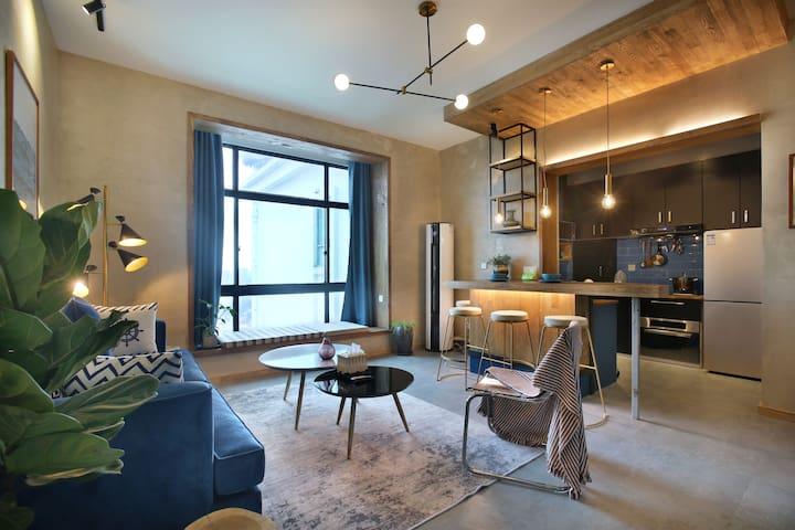 Charm+design+View I 市中心高层迷人设计公寓,步行五分钟到地铁站