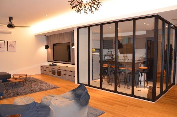 13PAX Unique Luxury Homestay 13房客全新独一无二豪华度假公寓