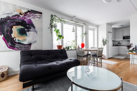Cozy room in top floor appartment near city centre