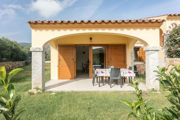 Ferienhaus mit Garten und Grill - Villetta Caposchiera