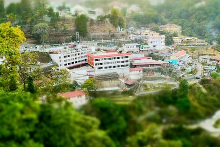 Stay in the heart of the city - Mussoorie