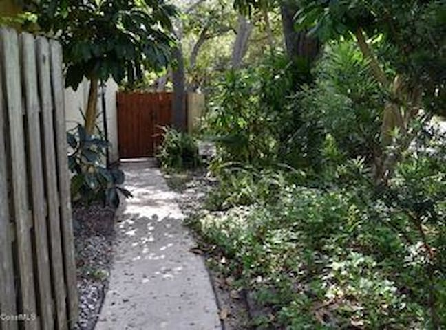 Steps to Beach Fun! - Cabo Canaveral - Townhouse