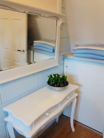 Toilettafel in slaapkamer