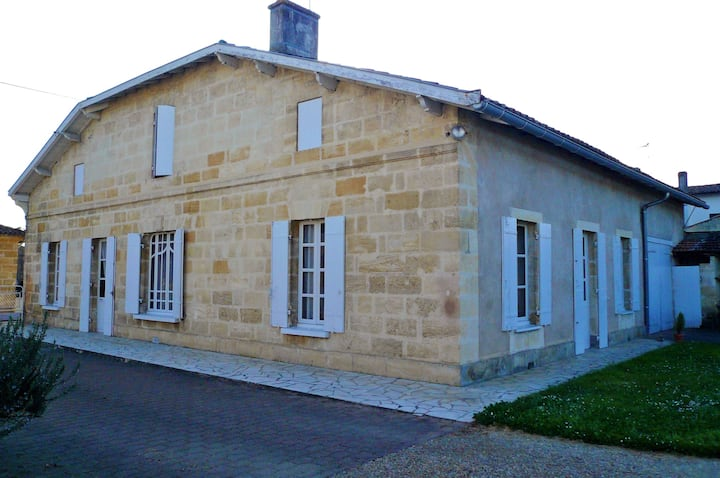 House with 4 bedrooms in Castillon-la-Bataille, with enclosed garden and WiFi - 85 km from the beach