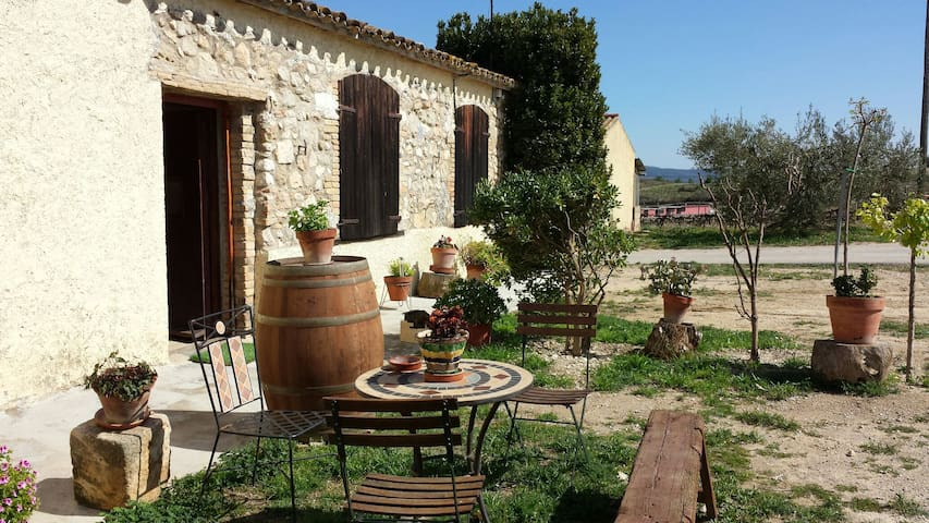 Converted Barn On Organic Farm 2 - Castellví de la Marca - Huis