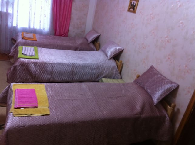 Room near to Airport, Expo Centre & best beaches - Baku - Casa