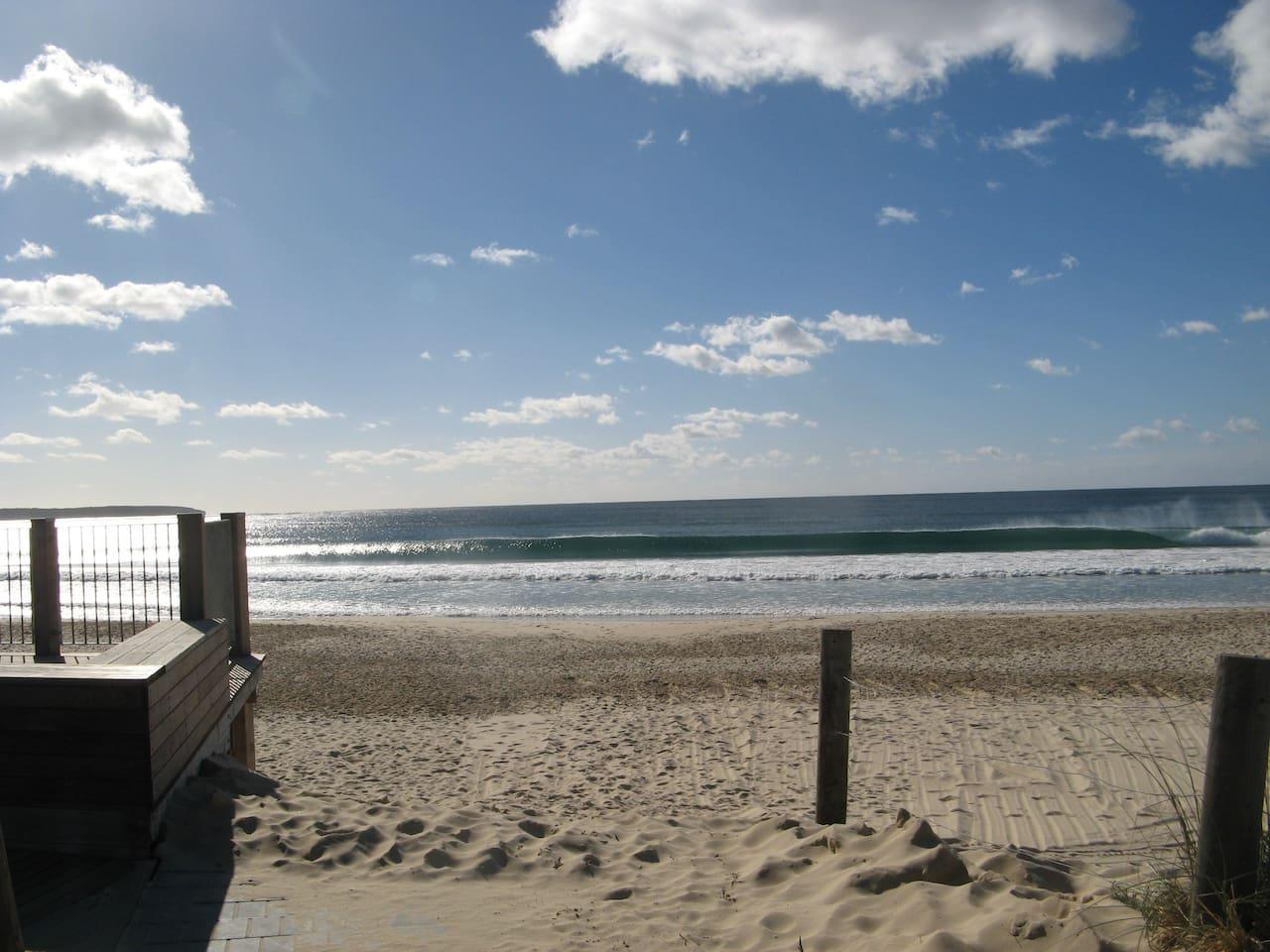 Pambula Beach - 4 minute walk way