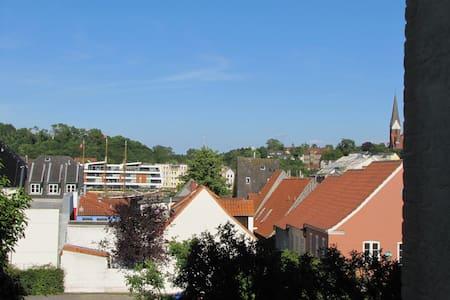 Mittendrin und doch für sich - Flensburg