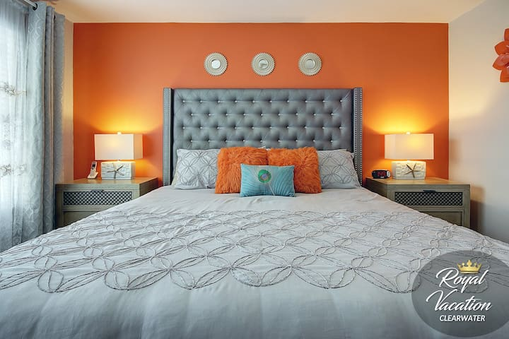 Master Bedroom - ♛King Size Bed♛