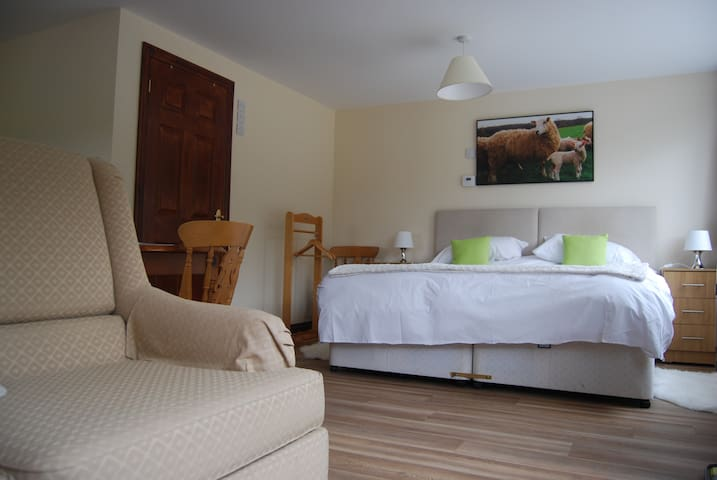 Shepherd's Rest, self catering unit in cotswolds.