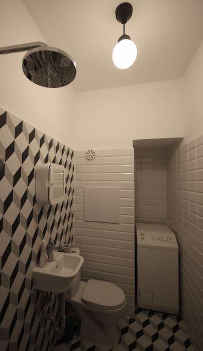 newly renovoted bathroom