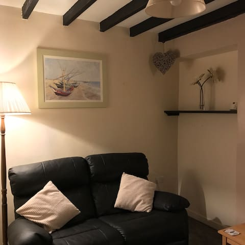 Cosy Welsh cottage in Bangor, North Wales.