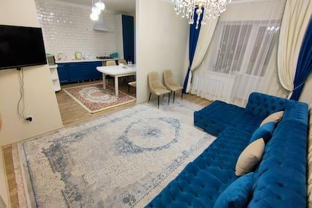 Роскошная Люкс 3-х комнатная в центре Актобе