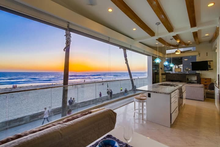 Liquid Blue - Oceanfront and modern - Wall of windows open up to the beach!