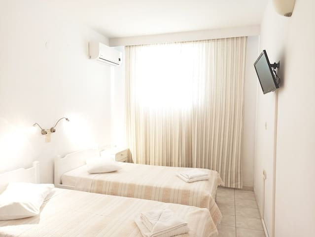 Budget Double Room B (Polos Hotel)