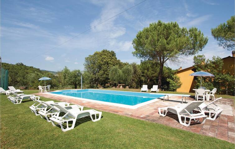 Holiday cottage with 4 bedrooms on 100m² in Magione PG