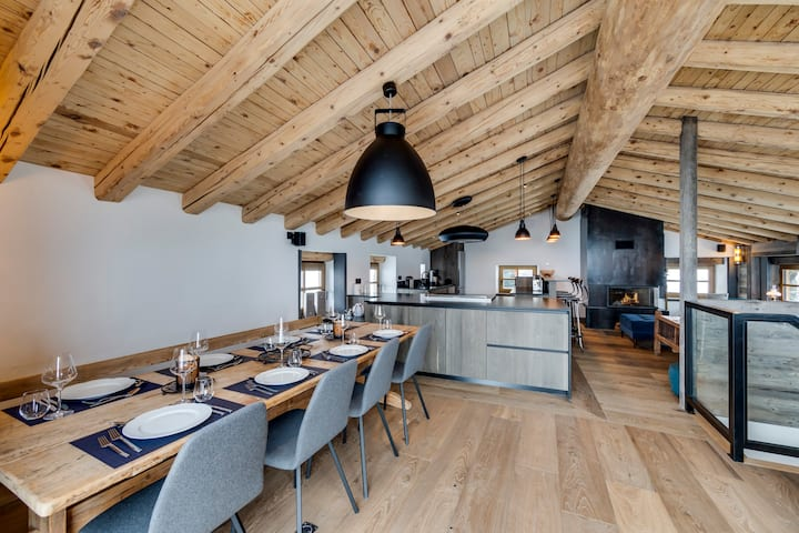 Chalet Loup - luxury 5-bedroom chalet in Le Fornet