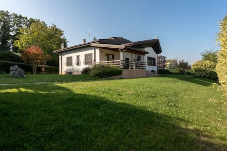 camera Tulipano - Castelnuovo del Garda - Bed & Breakfast