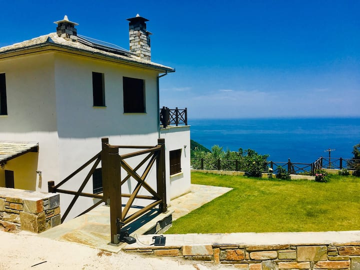 Luxury Villa  Mylopotamos with dramatic sea view