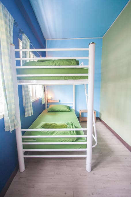 2 Beds Mixed Dormitory Nacorn Hostel Khaosan