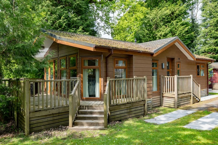 Forest Pines Lodge, Fallbarrow Holiday Park