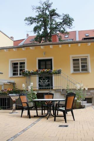 Stilvolles Wohnen in Altstadtnähe FeWo 3 - Erfurt - บ้าน